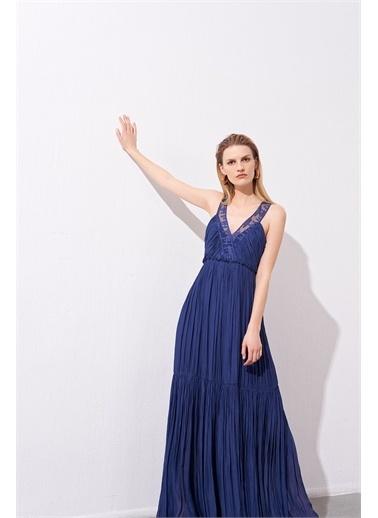 Rue Lacivert Organza Askılı Dökümlü Uzun Elbise Lacivert